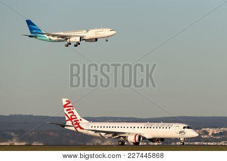 Sydney, Australia - May 5, 2014: Virgin Australia Embraer Regional Jet (erj-190) At Sydney Airport W