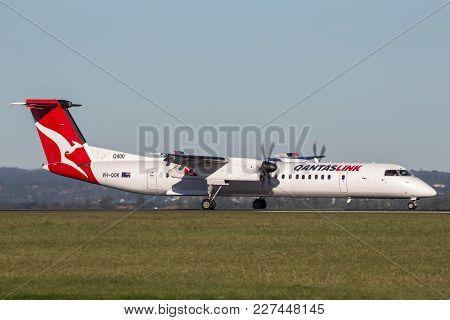 Sydney, Australia - May 6, 2014: Qantaslink (qantas) Dehavilland Dhc-8 (dash 8) Twin Engined Regiona