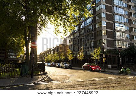 London, England - October 25 2017: Cambridge Square In London At Sunset. London, October 25 2017