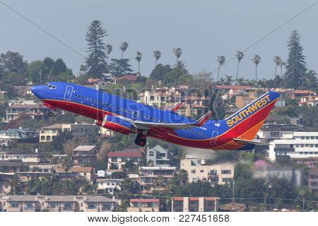 San Diego, California, Usa - April 30, 2013. Southwest Airlines Boeing 737-7h4 N795sw Departing San