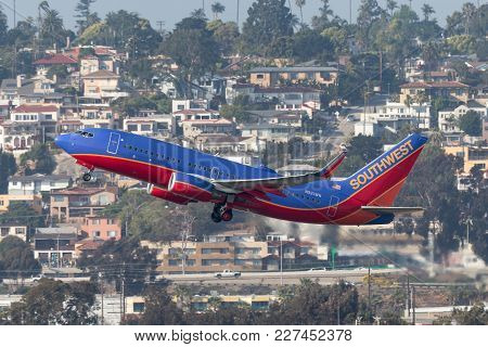 San Diego, California, Usa - April 30, 2013. Southwest Airlines Boeing 737-7h4 N921wn Departing San