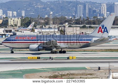 Los Angeles, California, Usa - March 10, 2010: American Airlines Boeing 767-223 Passenger Airliner A