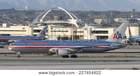 Los Angeles, California, Usa - March 10, 2010: American Airlines Boeing 767 Airliner At Los Angeles