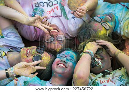 Hanoi, Vietnam - Apr 22, 2017: Happy Group Of Young Teenagers At Color Me Run Event In Long Bien Dis