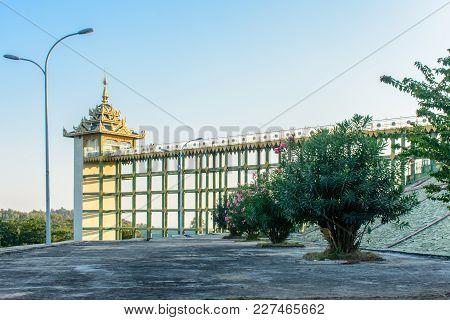 Photo Of Lift At Uppatasanti Pagoda, Nay Pyi Taw, Myanmar, Feb-2018