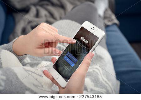 Apple Iphone 8 Plus With Vimeo Network