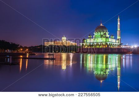 Putra Mosque In Evening Twilight Night Sky, The Most Famous Tourist Attraction In Putrajaya, Malaysi