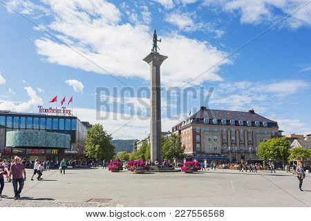 Trondheim, Norway - July 15, 2017. Statue Of Olav Tryggvason, Founder Of Trondheim, On Torvet (centr