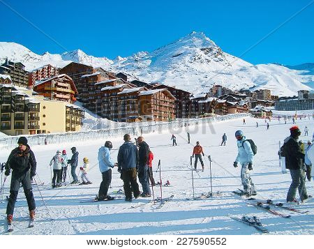 Val Thorens, France - January 7, 2013: People On Ski Slopes In The Mountains Of Winter Ski Resort, F