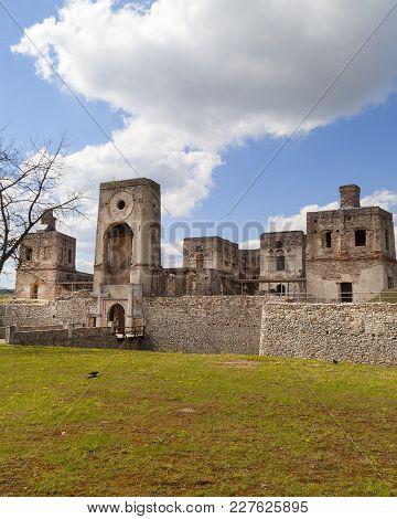 17th Century Castle  Krzyztopor, Italian Style Palazzo In Fortezza, Ruins, Ujazd, Poland.  It Was Bu