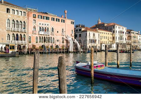 Venice, Italy - February 11: Sculpture Support And At Grand Canal On February 11, 2018 In Venice