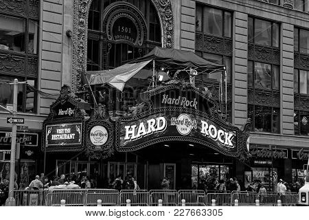 New York, Usa - November 13, 2008: Hard Rock Cafe, Restaurant, Entrance In Broadway, Times Square, M