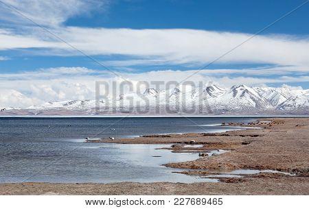 Lake Manasarovar (mapam Yumco) In Western Tibet. According To The Hindu Religion, The Lake Was First