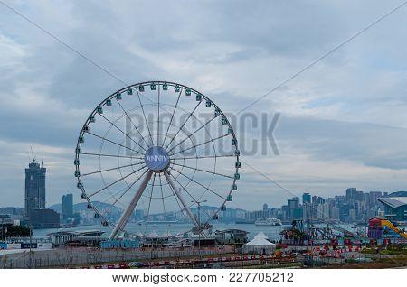 Hong Kong January 29, 2016: There Is Big Ferris Wheel On Hong Kong