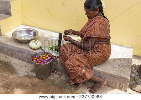 Pondichery, Puduchery, India - September 04, 2017. An Unidentified Indian Woman Cooker In The Street