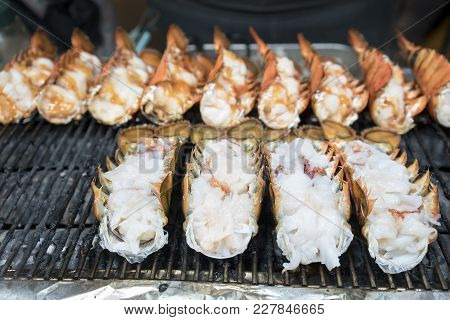 Delicious Grilled Lobsters Selling On Myeongdong Street , Seoul , South Korea  ( Korean Street Food