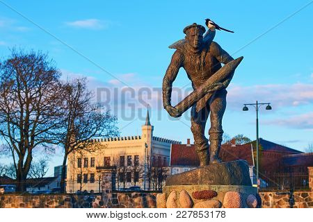 Oslo, Norway: Apr 25 2017 - Monument Commemorating The Heroic Work Done By People In The Norwegian M