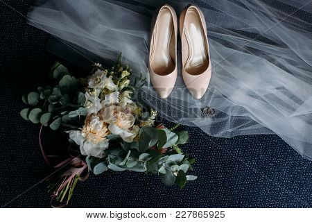 Wedding Bride Shoes With Flowers On Veil