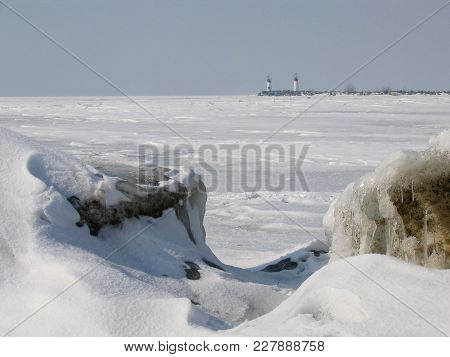 Ice And Snow Covers Lake Erie As Far As The Eye Can See From The Shore Near Leamington, Ontario, Can