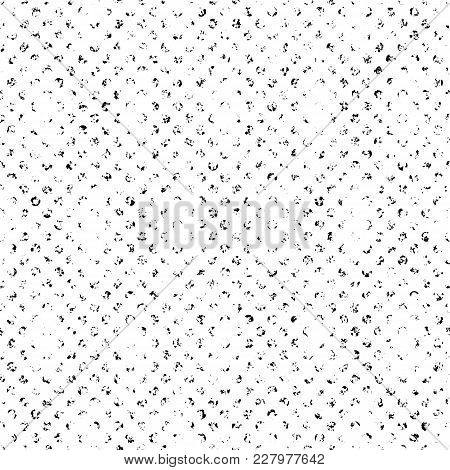 Basic Distressed Dot Halftone Seamless Vector Pattern. Retro Inking Effect For Design And Illustrati