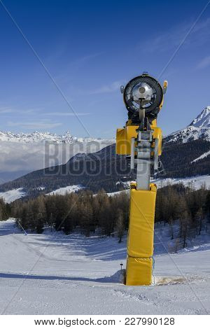 Yellow Snow Cannon Snow Maker Machine, Snow Gun For Production Of Snow On Ski Slopes