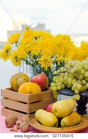 Autumn Fruit And Flowers, Autumn Organic Fruits On Table - Autumn Harvest. Thanksgiving Greeting Car