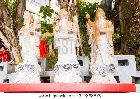 Close up of single godness statue in Tin Hau Temple, Repulse Bay, Hong Kong poster