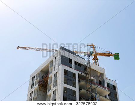 Rishon Le Zion, Israel  October 07, 2019: Residential Building Under Construction In Rishon Le Zion,