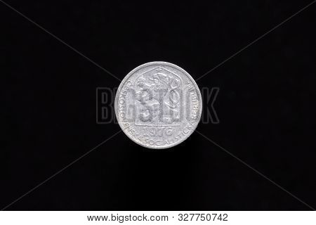Czechoslovak Socialist Republic Old 10 Haleru, 10h Coin From 1976, Obverse Showing The Socialist Coa