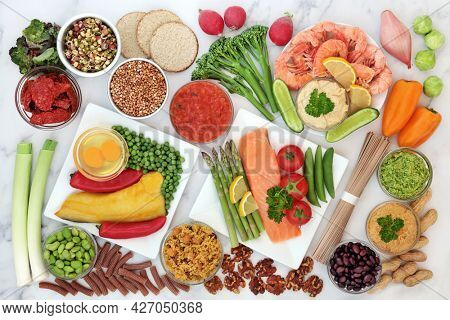 Low glycemic food for diabetics for a healthy diet with vegetables, seafood, grains, dairy, nuts, pasta and dips. Below 55 on the GI scale, high in antioxidants, fibre, protein, omega 3, vitamins.