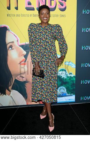 LOS ANGELES - JUL 15:  Krys Marshall at How It Ends LA Premiere at NeueHouse Hollywood  on July 15, 2021 in Los Angeles, CA