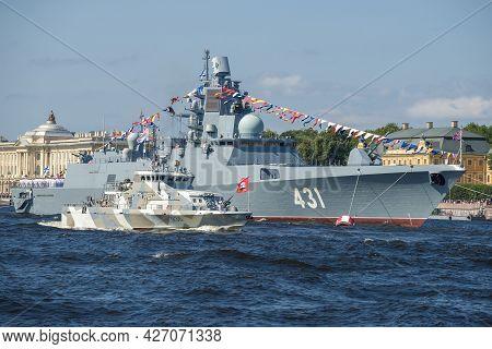 St. Petersburg, Russia - July 25, 2019: Anti-sabotage Boat Of The Grachonok Type And Guard Ship (fri