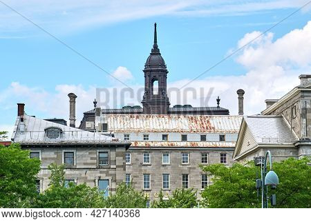 Canada, Montreal - July 11, 2021: Scenic View Of City Hall Building In Montreal. The Five-storey Mon