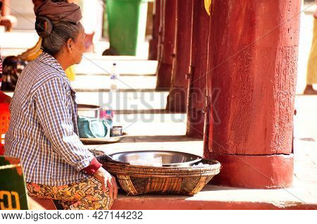 Local Burma Lifestyle Burmese Old Women Vendor Sale Products Food To People Foreign Travelers Buy Ea