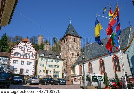 Hirschhorn, Germany: April 3, 2005: Market Place In The Old Town Of Hirschhorn On The Burgenstrasse