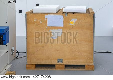 Machine Delivery Shipping In Strong Wooden Crate Pallet Box