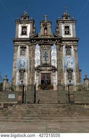 Porto, Portugal - March 17, 2017: San Francisco Church In Porto With Traditional Hand Painted Tingla