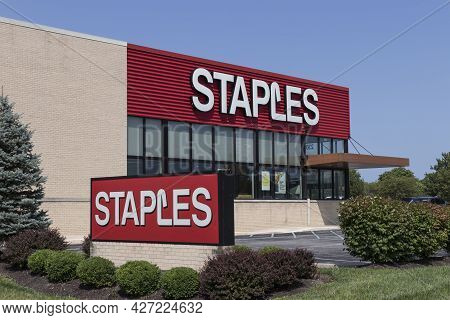 Plainfield - Circa July 2021: Staples Office Supply Retail Location. Staples Is A Office Supply Stor