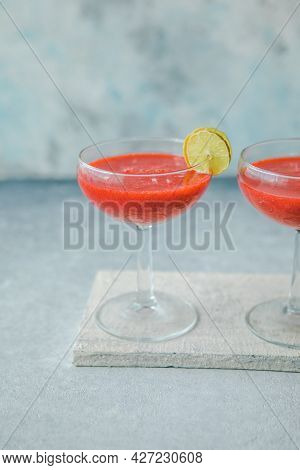 Strawberry Daiquiri With A Lime Slice, Strawberry Daiquiri With A Lime Slice