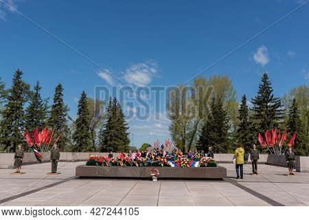 Russia, Irkutsk - May 27, 2021: Guard Of Honor Is Standing Near The Flame In The Memorial Complex Wa