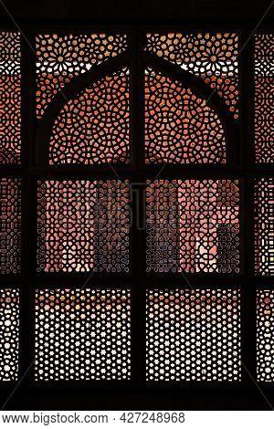 Fatehpur Sikri, Uttar Pradesh, India - March 26, 2011: Intricate Window Artwork In The Tomb Of Salim