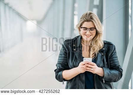 Gadget People. Mobile Communication. Social Media. Body Positive. Happy Smiling Overweight Chubby Ob
