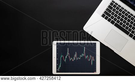 Online Success. Finance Application For Sell, Buy And Analysis Profit Dividend Statistics. Investmen