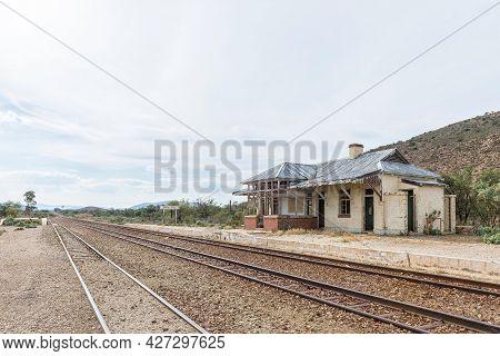 Ruins Of The Vondeling Railway Station On Road R407 Between Klaarstroom And Willowmore. Railway Trac