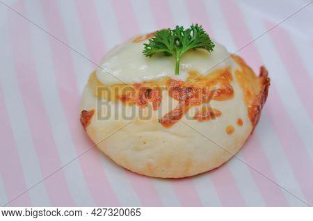 Cheese Bun, Mozzarella Cheese Bun Or Bun With Cheese Topping For Serve