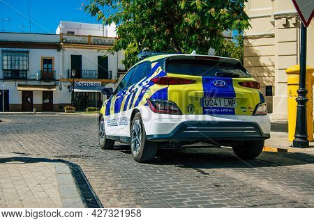 Carmona Spain July 18, 2021 Local Police Patrolling In The Streets Of Carmona During The Coronavirus