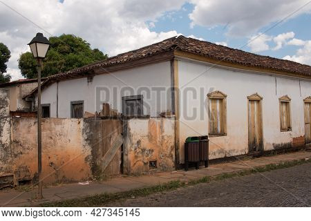 Pirenopolis, Goias, Brazil June 25, 2021: The Rundown And Sometimes Abandon Colonial Style Architect