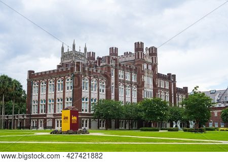 New Orleans, La - July 17: Rear View Of Loyola University Administration Building And Sign On July 1