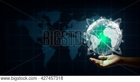 New Global Business Connection Concept. Businessman Leading The Global Connection With Connecting Pe