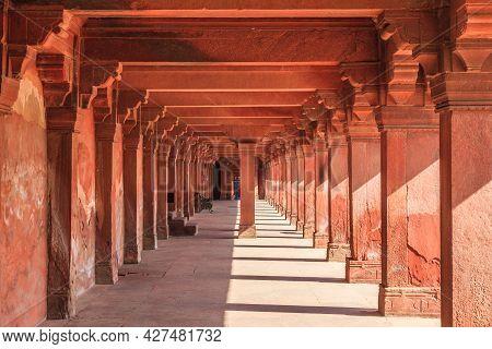 Fatehpur Sikri, Uttar Pradesh, India - March 26, 2011: Long Row Of Columns In Panch Mahal At Unesco